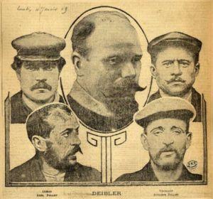 Zeitungsbild mit Anatole Deibler inmitten der vier Delinquenten in Béthune, 1909. Digitale Sammlung Blazek