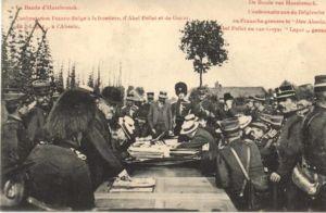 """Im Zuge der weiteren Ermittlungen wurde am 10. Juli 1906 diese """"Confrontation"""" mitten auf der französisch-belgischen Grenze inszeniert."""